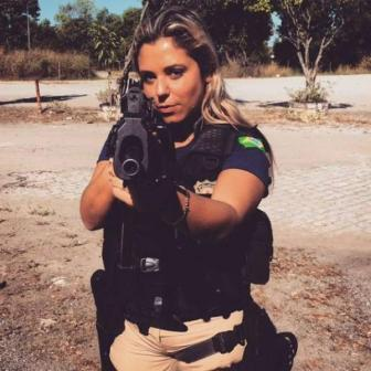 Pictures of the most beautiful Brazilian cop.